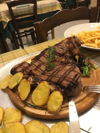 A vita nu muorz e pizza marano di napoli ristorante for Euromobilia quarto napoli cucine