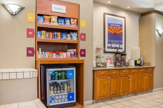 Comfort Suites Old Town Scottsdale: Marketplace
