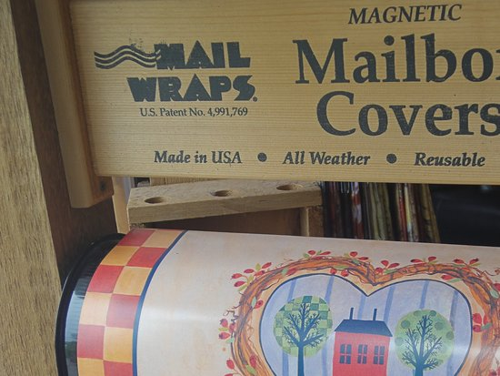 Newboro, Canada: Mailbox wraps/covers