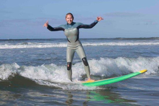 Wavehuggers: All shakas on an awesome wave.