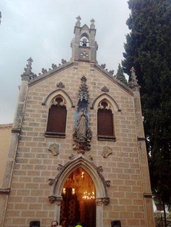 Roda de Bara, Espanha: Entrada de la Ermita