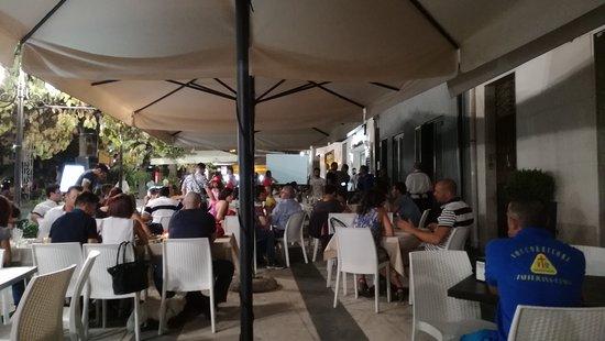 Zafferana Etnea, Italie : IMG_20170802_002526_large.jpg