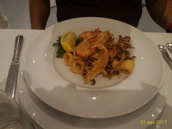 Pozzilli, Italia: P_20170801_214231_1_p_large.jpg