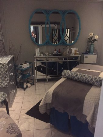 Coeur d'Alene, ID: Lash Extensions, Elemis Skincare, Resurfacing facials, waxing & more!