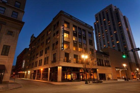 Hilton garden inn rochester downtown updated 2017 prices - Rochester home and garden show 2017 ...