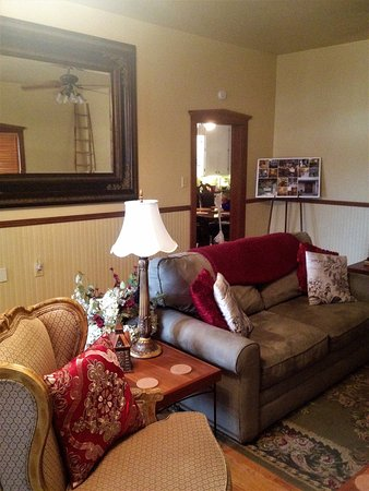Stonewall, TX: Living room in Amore'