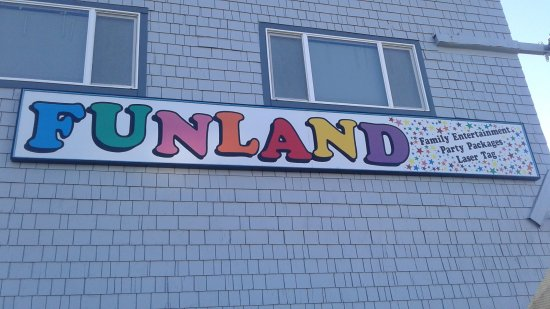 Long Beach, WA: Beat the heat with a stop at Funland for games and Laser Tag! #FunlandLB