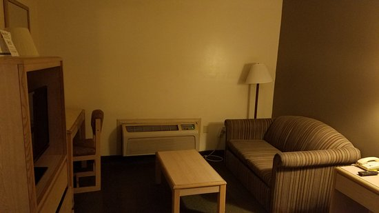 Super 8 Monticello NY room