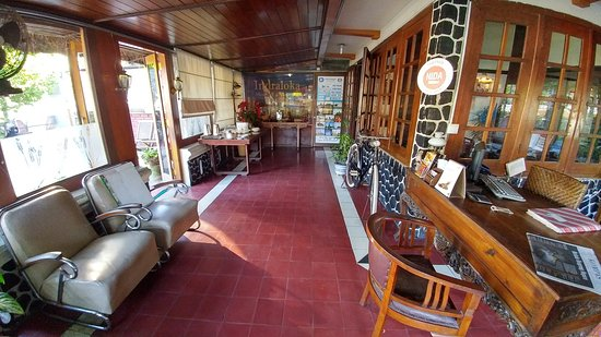 Indraloka Family Home Stay: 20170731_072403_HDR_large.jpg