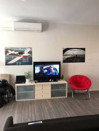 Caloundra, Αυστραλία: Family-friendly interior waiting area