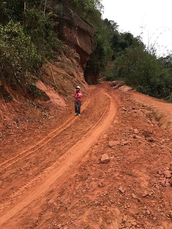 Moc Chau, Vietnam: The off-road to Pha Luong border station