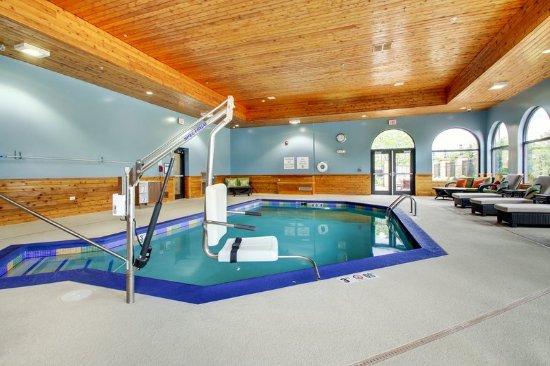 Aurora, IL: Indoor Pool