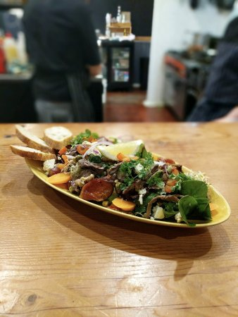 Thirroul, ออสเตรเลีย: Off the specials board - Lamb Salad with maple glazed pumpkin, caramelised red onion, pepitas &