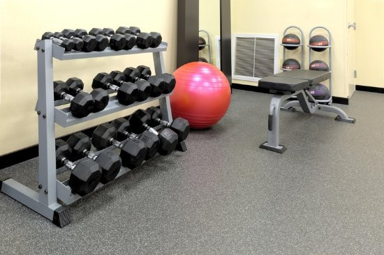 Hampton Inn & Suites Sharon: Weights