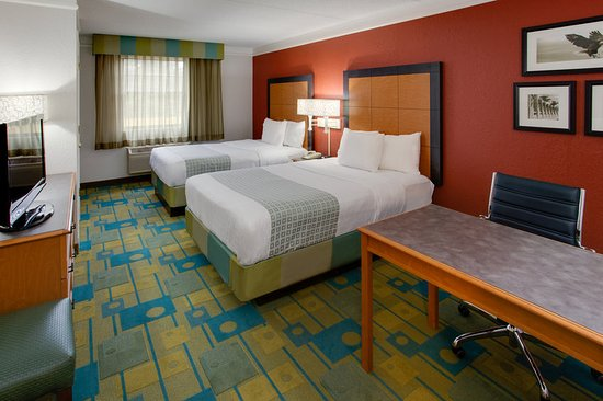la quinta inn pittsburgh airport updated 2017 prices. Black Bedroom Furniture Sets. Home Design Ideas