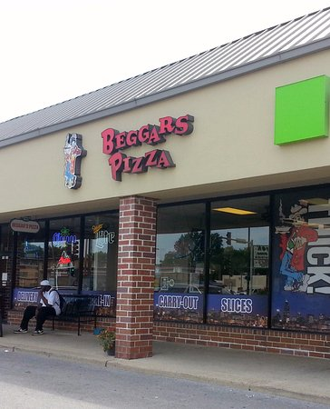 Front Of Entrance To Beggars Pizza In Merrionette Park On 115th St