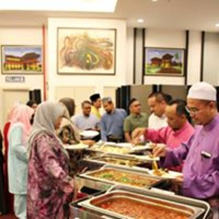 Holiday villa hotel suites kota bharu malaysia for J bathroom kota bharu