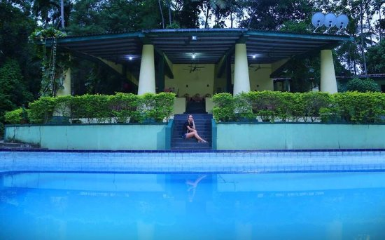 Hotel Tulip of Ceylon Photo