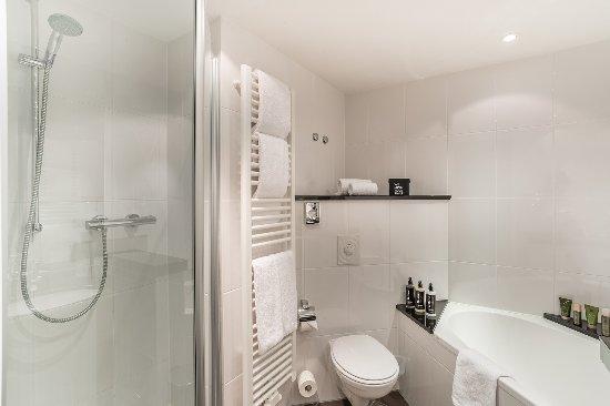 BAdezimmer Suite - Bild von The Rilano Hotel München, München ...