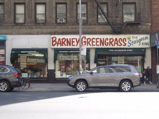 Barney Greengrass: 見つけやすい外観
