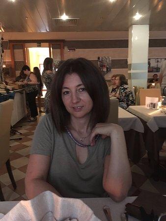 Hotel Menfi: con la donna al ristorante