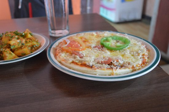 Madhyapur Thimi, Nepál: normal pizza
