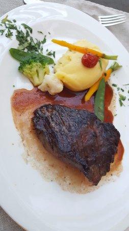 Sur l'Ardoise: Onglet de bœuf black Angus « Irlandais » / jus à la sauge / pommes de terre purée