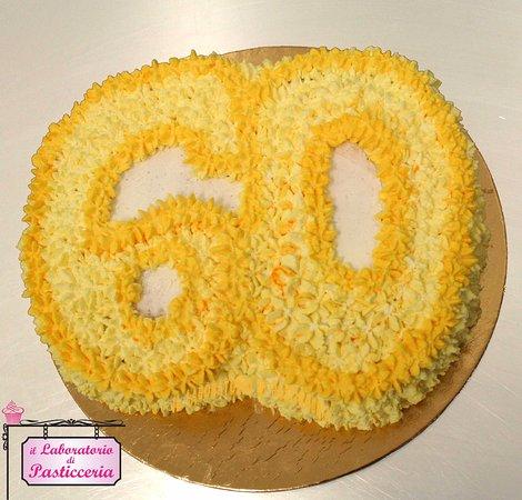 Torta Compleanno 60.Torta Di Compleanno 60 Anni Picture Of Il Laboratorio Di Pasticceria Gattinara Tripadvisor