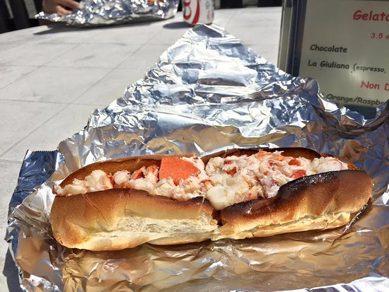 """a CT lobster roll. The """"burnt"""" bread gives it some crunch. Fantastic!! - Picture of Lobster ..."""
