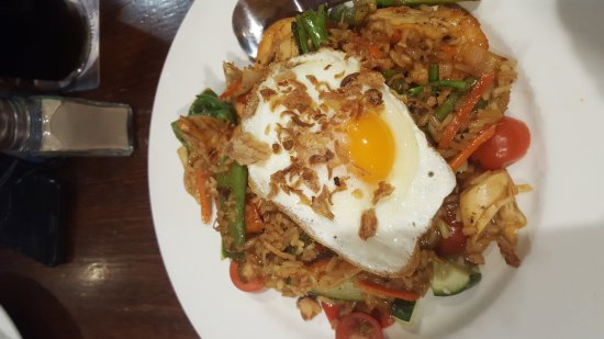 Bayswater, Australia: Nasi Goreng or  Oyster and Beef for $20 What do you choose??