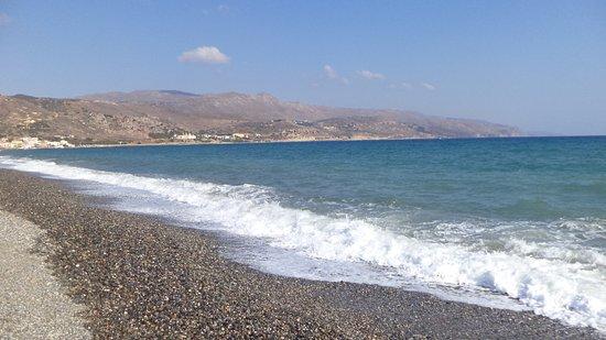 Chryssana Beach Hotel: pebbles - good for reflexotheraphy