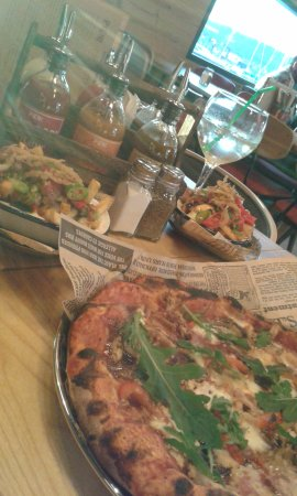 Pier Five: Pollo Pizza and Such a Bore loaded fries