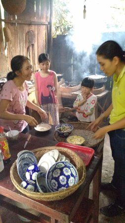 Travel Sense Asia: At Cai Lay our hostess cooked lunch. Her children were on school holidays.