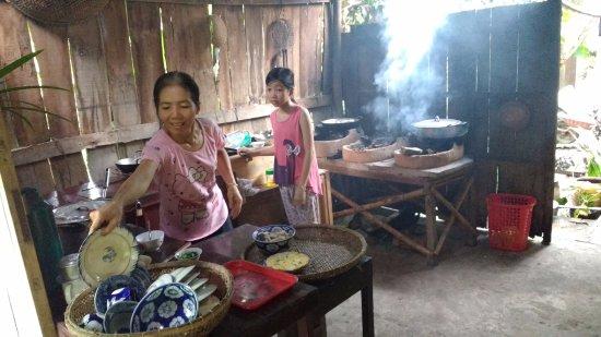 Travel Sense Asia: This is the family kitchen !
