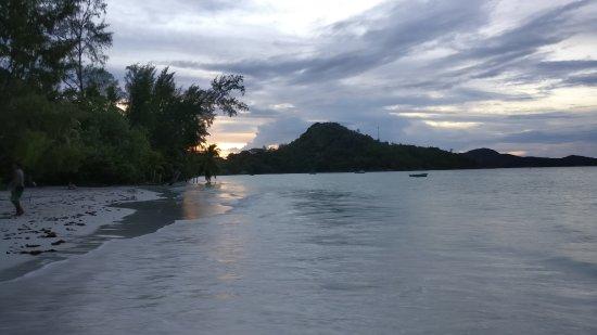 Anse Volbert: Sonnenuntergang