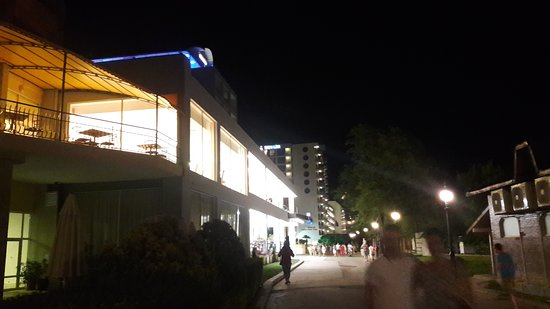 lti Berlin Golden Beach Hotel: 20170731_215704_large.jpg