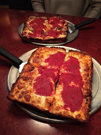 Buddy's Pizza-Detroit: Amazing!