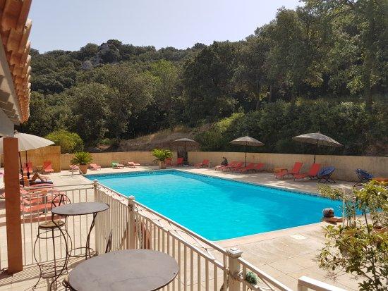 La piscine - Picture of Le Saint Bruno, Pujaut - TripAdvisor