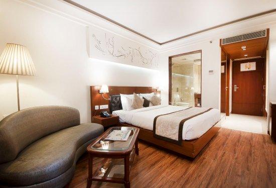 Hotel Regent Grand Photo
