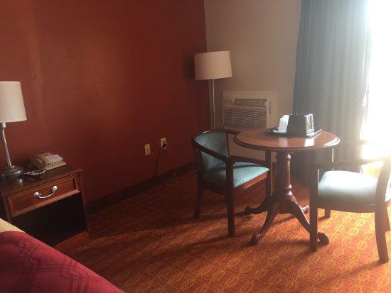 Econo Lodge: photo2.jpg
