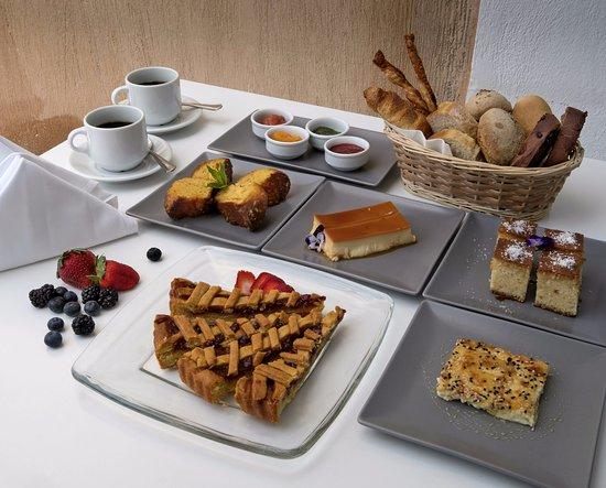 Aigialos Hotel: Breakfast selection