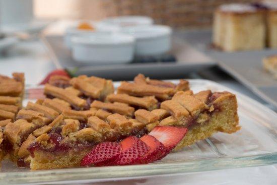 Aigialos Hotel: Breakfast pie