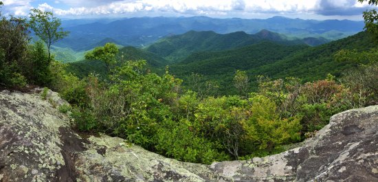 Dillsboro, NC: Take a hike in our Great Smoky Mountains that surround the hotel.