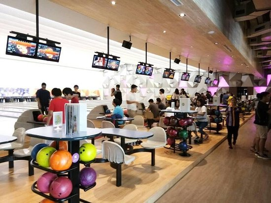 ‪Spincity Bowling Alley‬