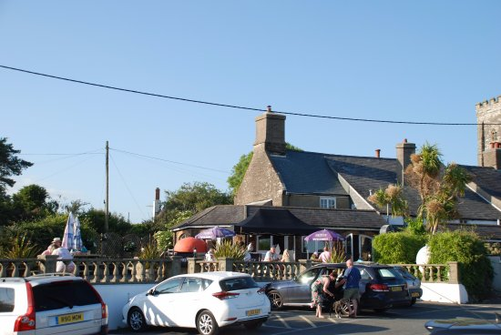 Church House Inn: Large car park & south facing patio with outdoor Wood Fired Pizza.  Children & Dog friendly too!