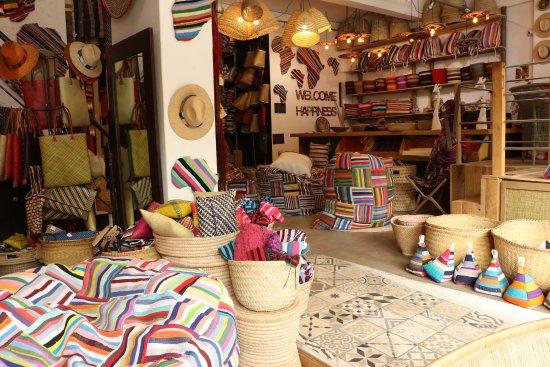 nouveau concept sélectionner pour authentique acheter mieux Ashanti Design's lower level of retail space. All products ...