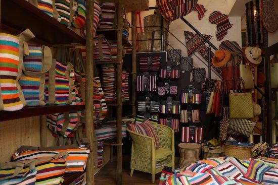 plus grand choix de aperçu de moderne et élégant à la mode Colourful treats for all occasions. We have bags, laptop ...