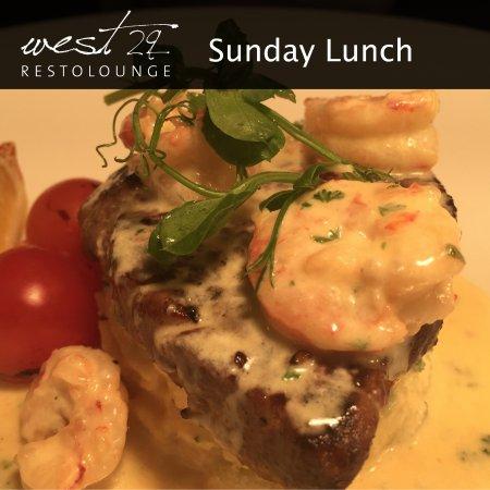 Drogheda, Irlanda: Fillet Steak with creamy garlic prawns