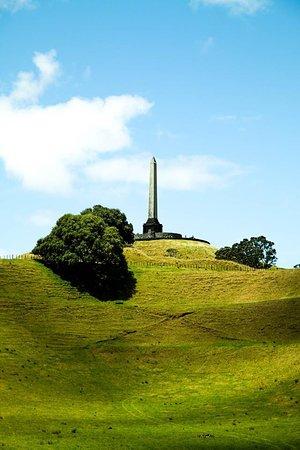One Tree Hill (Maungakiekie) : Obelisk auf dem One Tree Hill