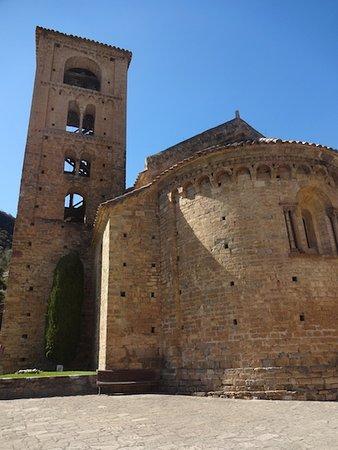 Beget, إسبانيا: Iglesia de San Cristobal, Beget (Camprodon, El Ripollés, Gérone, Catalogne), Espagne.
